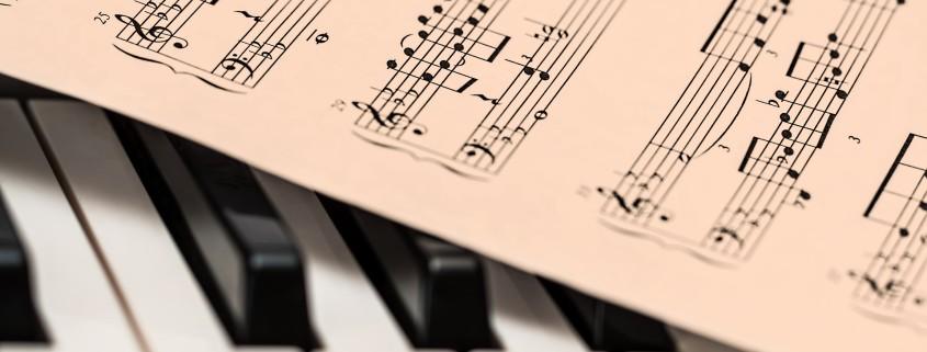 Conoce que son las partituras musicales