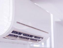 Los aires acondicionados tipo minisplit son una solución compacta y eficiente para proporcionar frescura y, a menudo, calefacción a su hogar. Estos sistemas están ganando popularidad en México por su funcionamiento silencioso y sus aplicaciones versátiles.